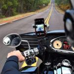 Smartphone an Motorrad